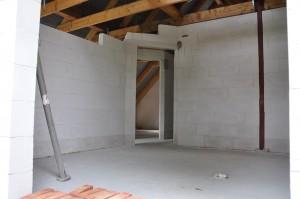 Blick von außen ins Obergeschoss