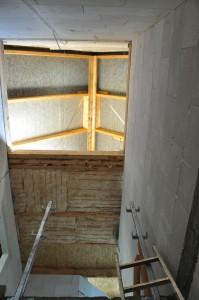Blick durchs Treppenhaus nach oben